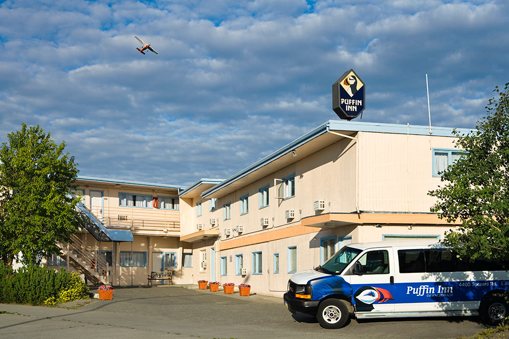 Puffin Inn Anchorage Hotel: Accommodations, Airport Shuttle Service